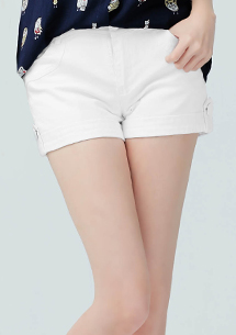 翹臀比例反折造型短褲