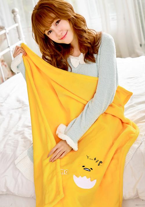 蛋黃哥舒柔保暖絨毛被毯