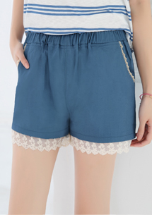 蕾絲拼接設計短褲