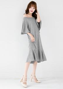 甜美氣息荷葉裙襬洋裝