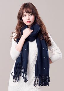 素雅珍珠流蘇圍巾