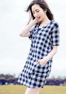 輕夏格紋半開襟棉麻衫