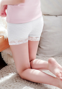 恬美姿態蕾絲安全褲