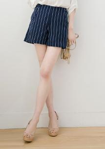 時尚都會直條紋短褲