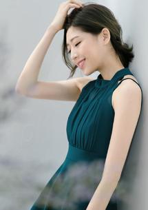 高雅名媛透膚削肩洋裝