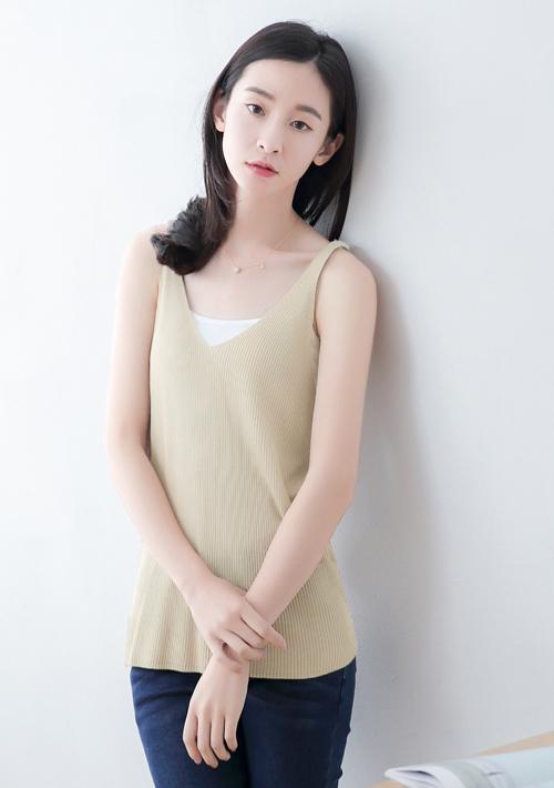 氣質女孩細肩針織背心