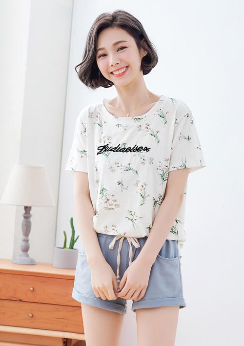 夏日花卉刺繡字母上衣