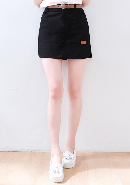 率性挺版皮標褲裙-附皮帶