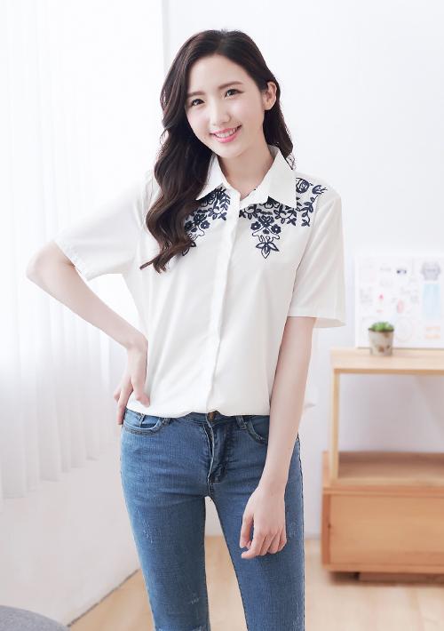 復古刺繡花卉襯衫