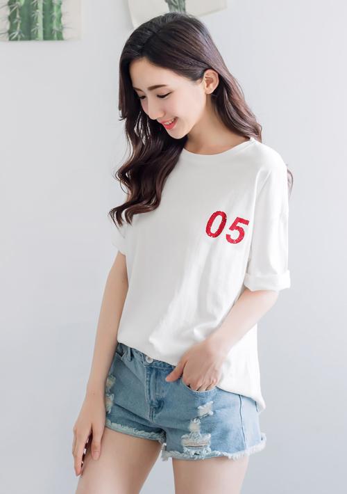 數字印花短版棉質上衣