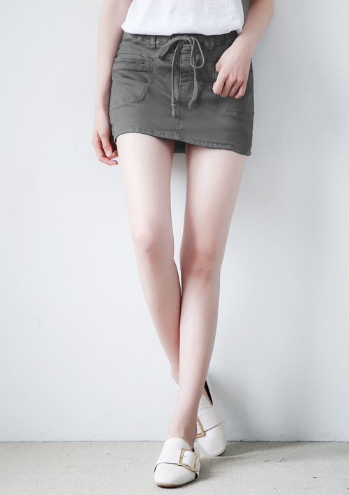 休閒風剪裁抽繩褲裙