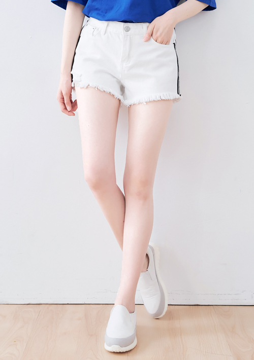 韓系側織帶抽鬚牛仔短褲