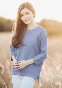 微醺春漾短版針織衫-灰藍