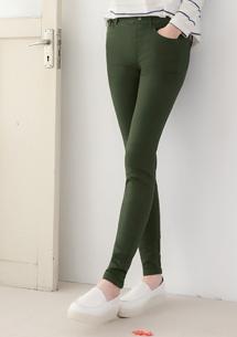 修身輕盈顯瘦彈力窄管褲-軍綠