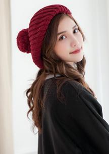 甜美暖冬球球針織貝蕾帽