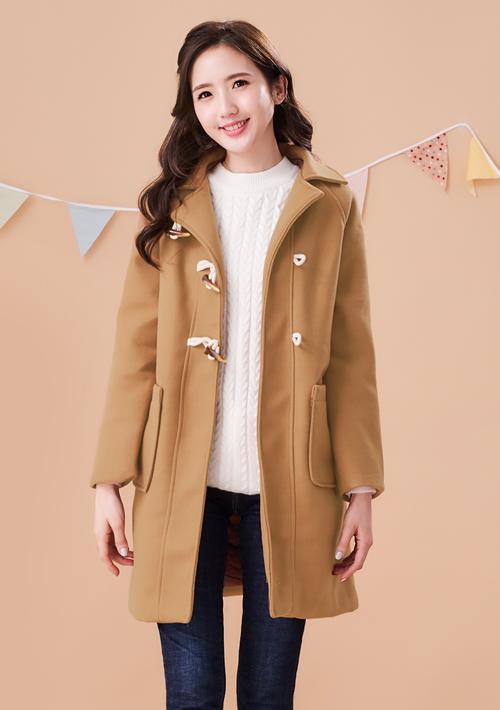 牛角釦厚毛呢外套