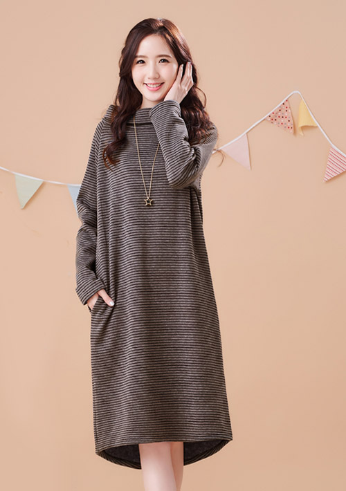 極暖高領加厚刷毛開衩洋裝