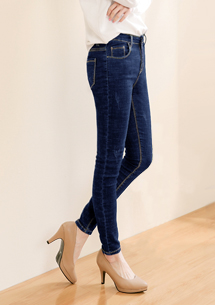 顯瘦刷色窄管牛仔褲