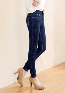 顯瘦刷色窄管牛仔褲-牛仔藍