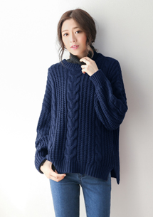 暖冬色調麻花編織毛衣