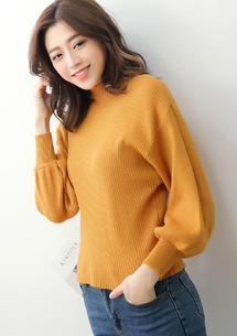 微高領坑條包芯紗針織毛衣-芥黃