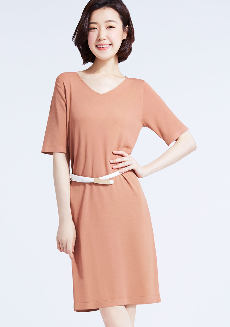 涼感V領針織洋裝
