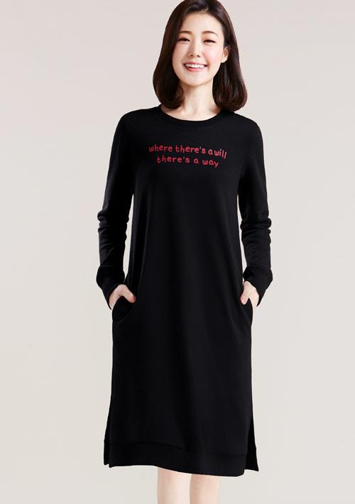 字母印花刷毛長版洋裝
