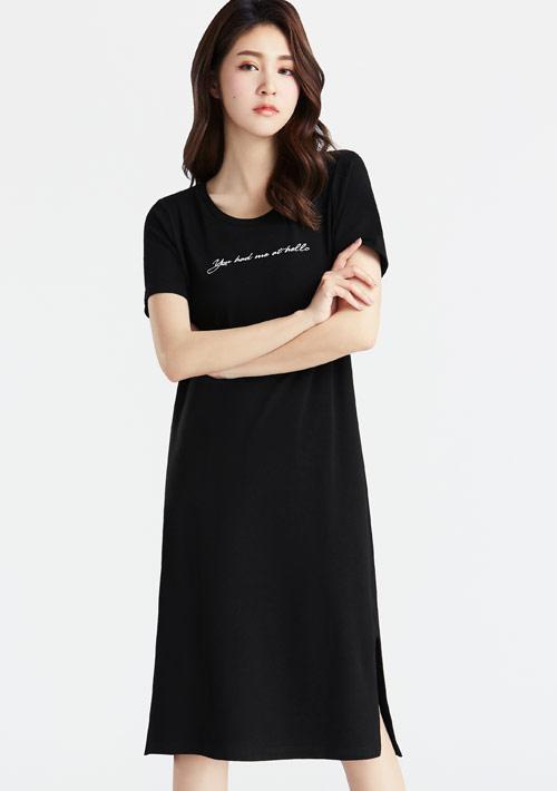 特級四面彈性文字印花長版洋裝