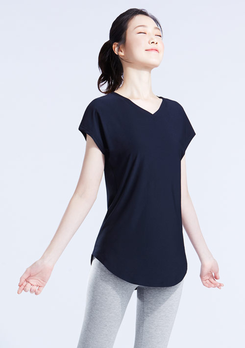 特級彈性吸排涼感V領寬版T恤