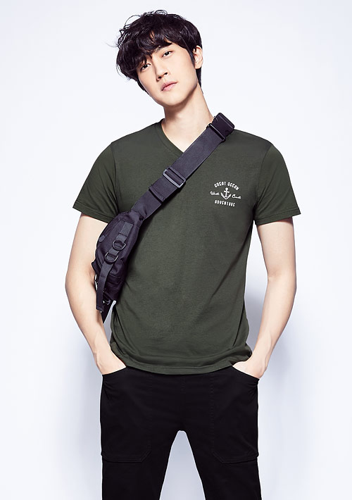 海錨純棉V領印花T恤-男裝